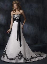 Черно-белое шелковое платье