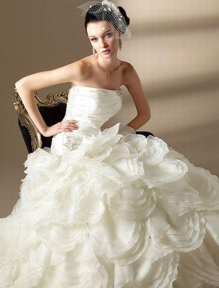 Гламурные свадебные платья 2012