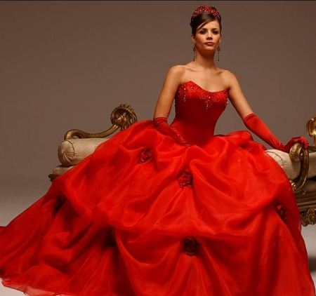 Бордовое свадебное платье купить в