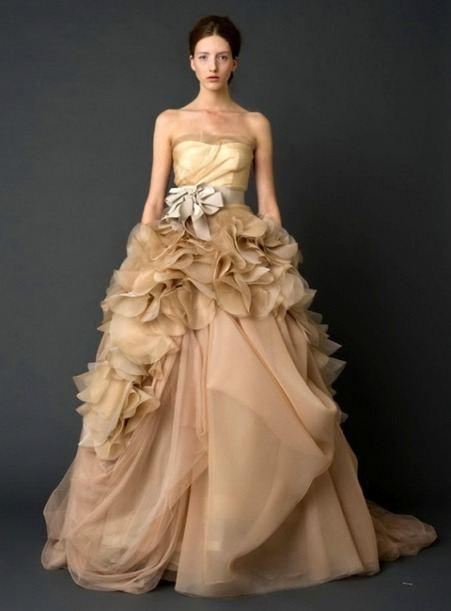 Казахские свадебные , лучшие платья ... натали-> Свадебные платья La Sposa 2012: Самые лучшие свадебные платья - это Ла Споса