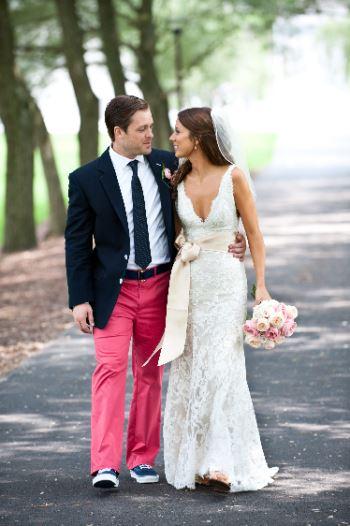 Свадебное платье и кеды