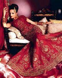 Красное платье с золотом свадебное