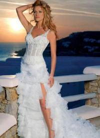Летнее свадебное платье с прозрачным корсетом