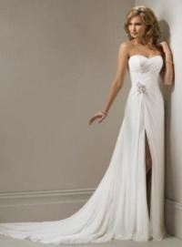 Самое красивое свадебное платье в мире, скорее всего, должно быть с длинным шлейфом. В разумных пределах, естественно. В некоторых китайских свадебных