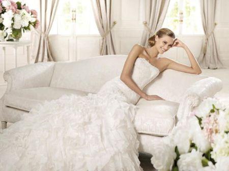 Шикарные свадебные платья 2012 года выглядят невероятно...