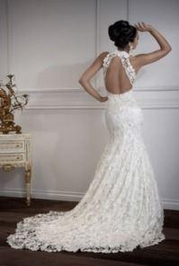 Изобр по > Свадебные Платья с Открытой Спиной и Шлейфом